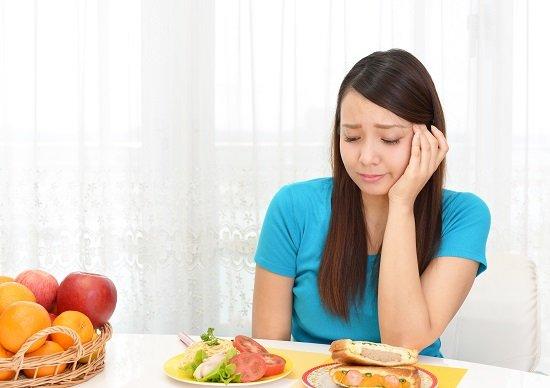 糖質制限 デメリット 真実 胃 荒れて 肌荒れ する ホント