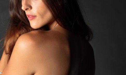 肩幅 狭くする 方法 短期間 小柄 女の子 なれる方法,
